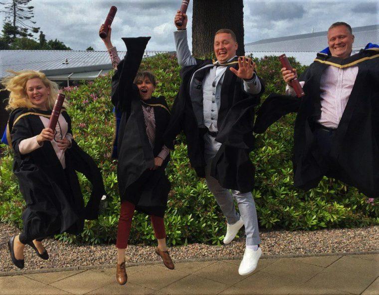 Випускники британської програми МБА на врученні дипломів в Единбурзі