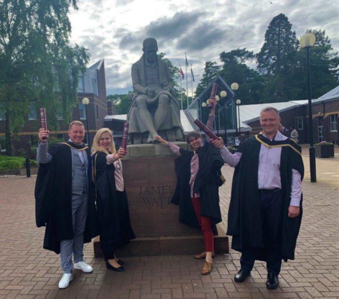 Випускники програми МБА Единбурзької бізнес-школи отримали дипломи в Единбурзі